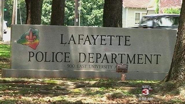 Lafayette police are asking residents to make sure they lock their car doors.