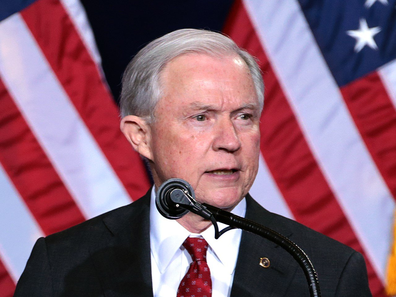 Attorney General Jeff Sessions agrees to appear before Senate intelligence committee