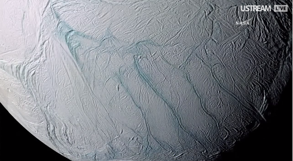 Best bet for life could be one of Saturn's moons