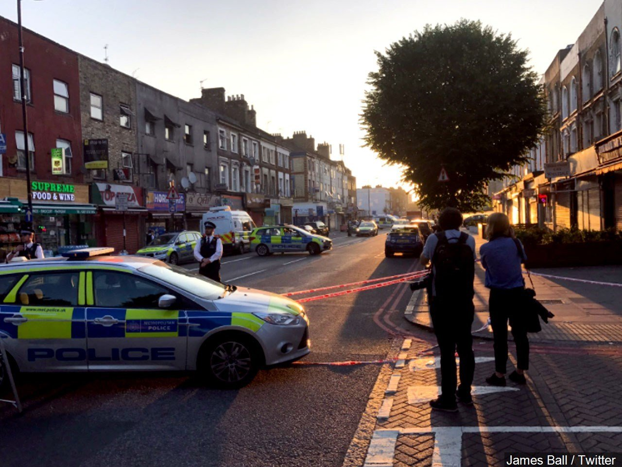van attack near London mosque / courtesy of MGN Online