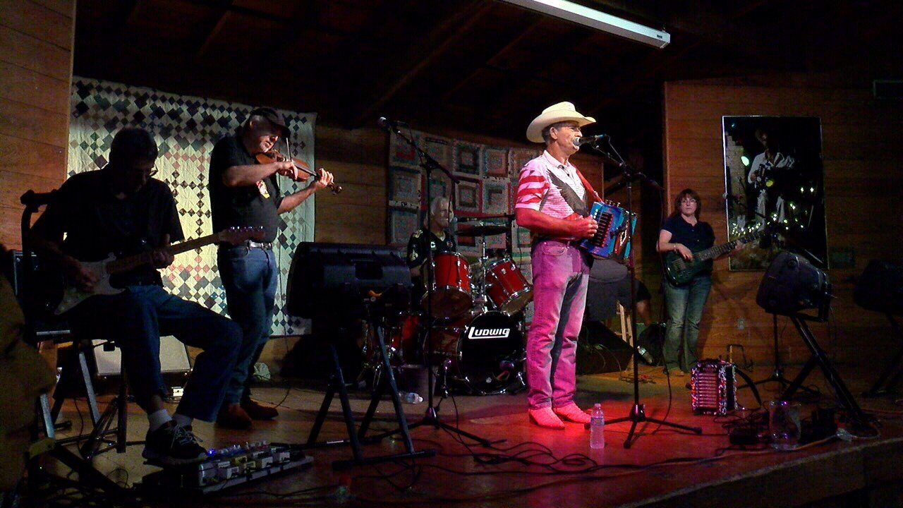 Wallace Trahan and Rice & Gravy perform at Vermilionville