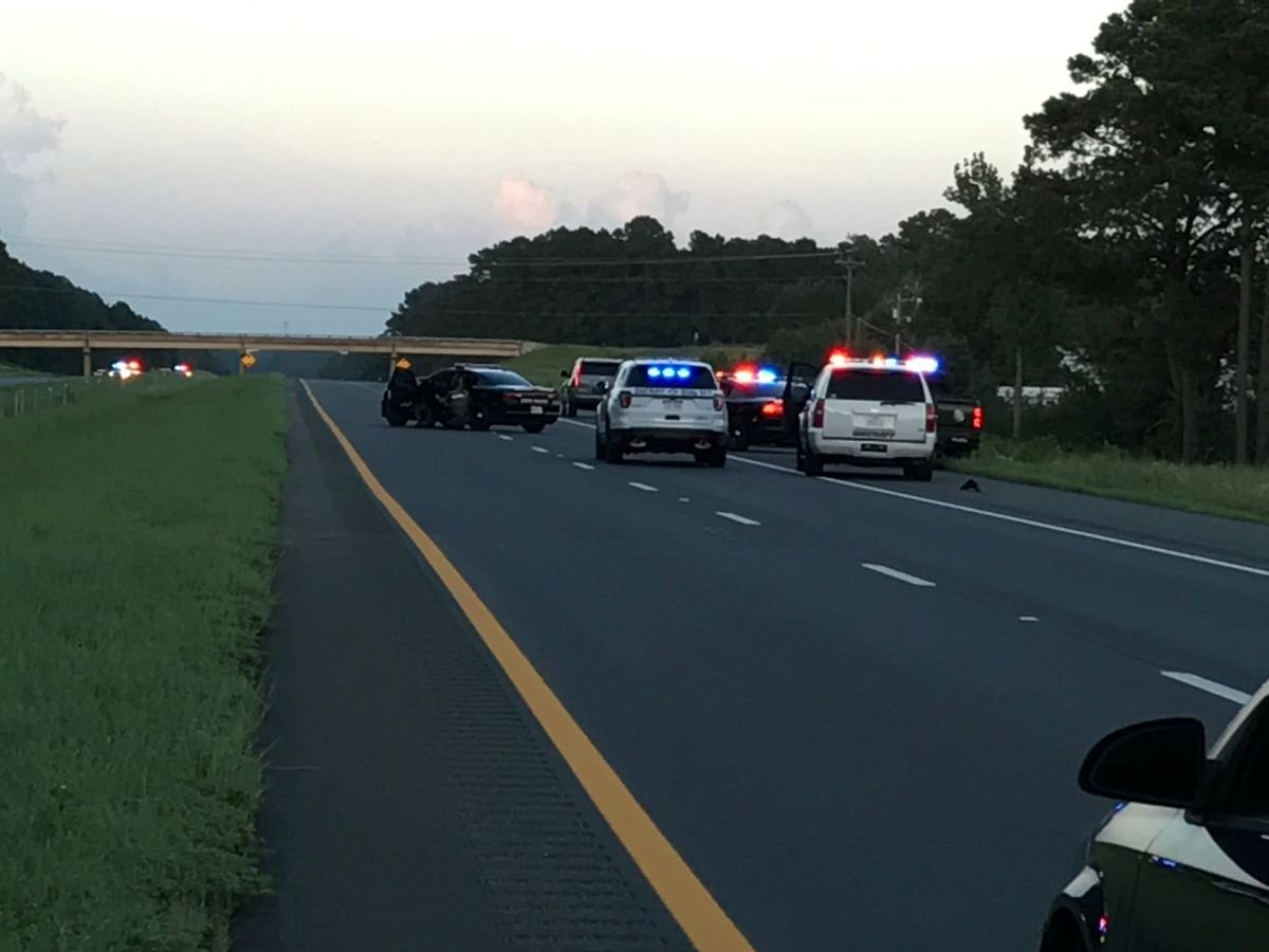 High-speed chase on I-20 leads to standoff / Courtesy: KTBS