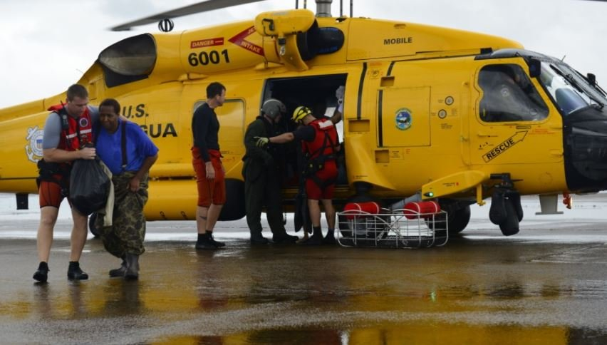 Local Coast Guard rescue crews headed to Texas for Harvey relief efforts