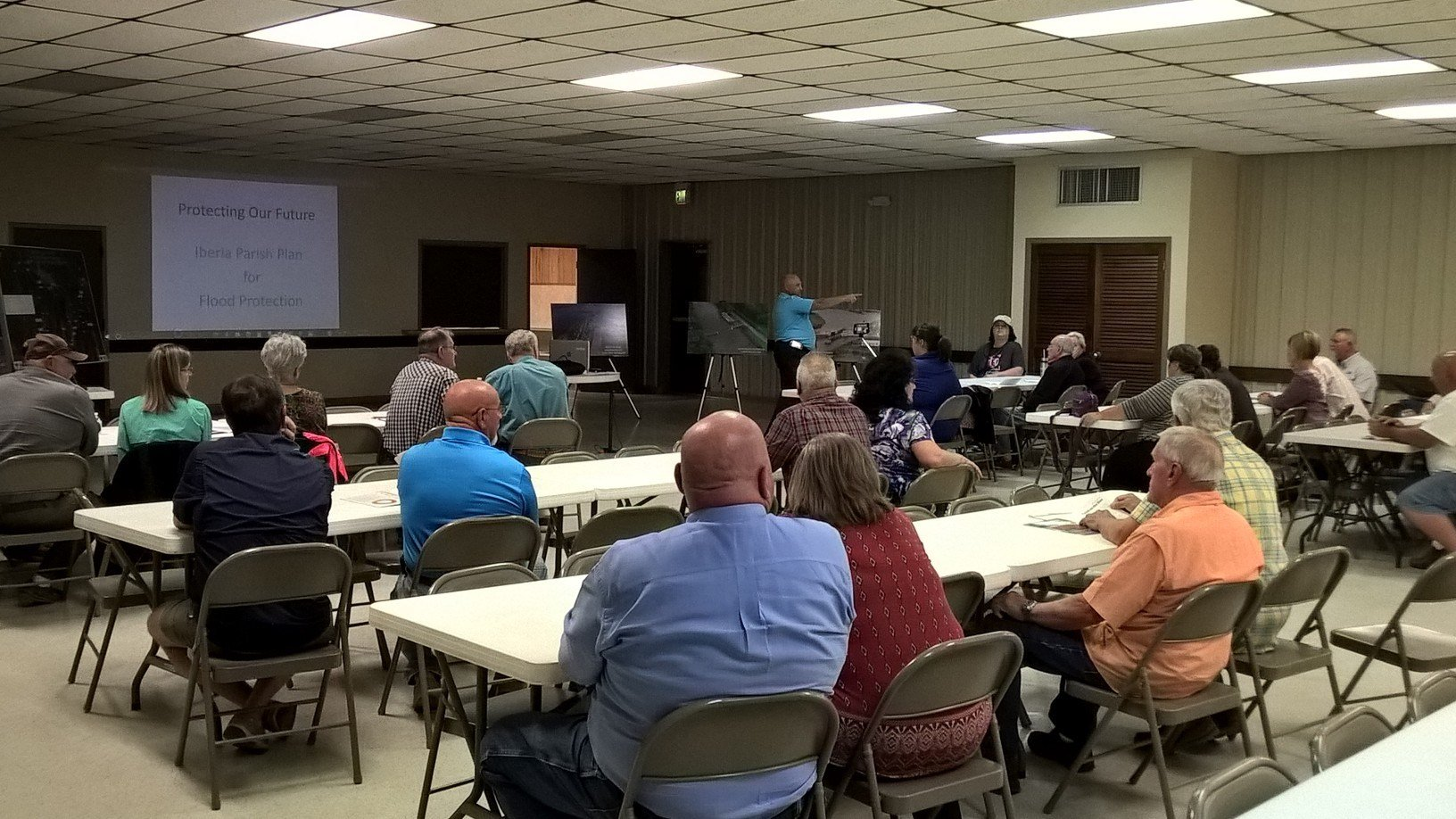 New Iberia Town Hall on proposed Levee project / KATC