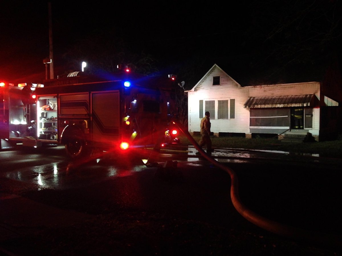 Fire on E Lafayette Street in Abbeville / KATC