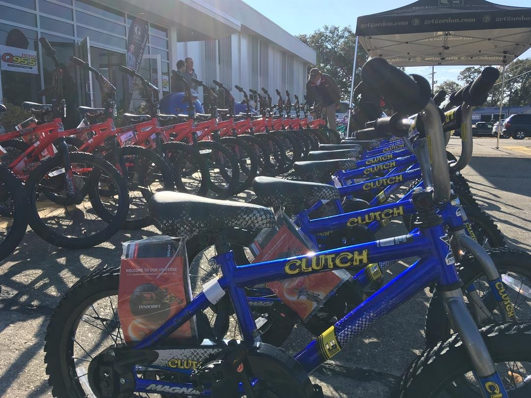 Lafayette law offices gives away new bikes ahead of Christmas / KATC