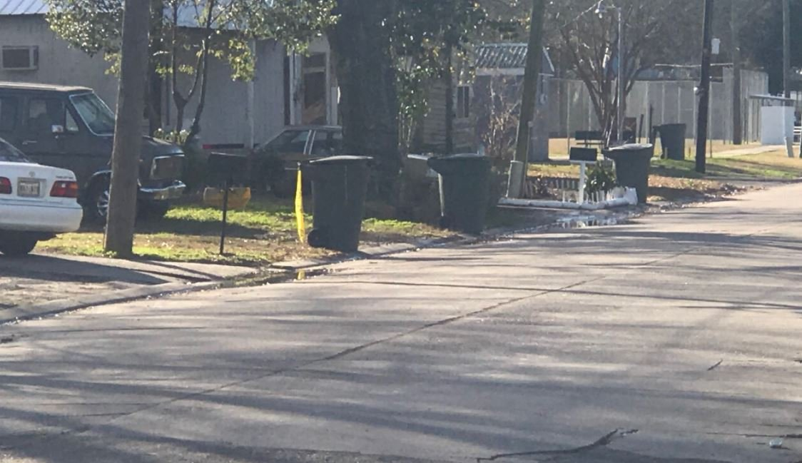 One found dead after shooting on Welsh Street in Welsh / KATC