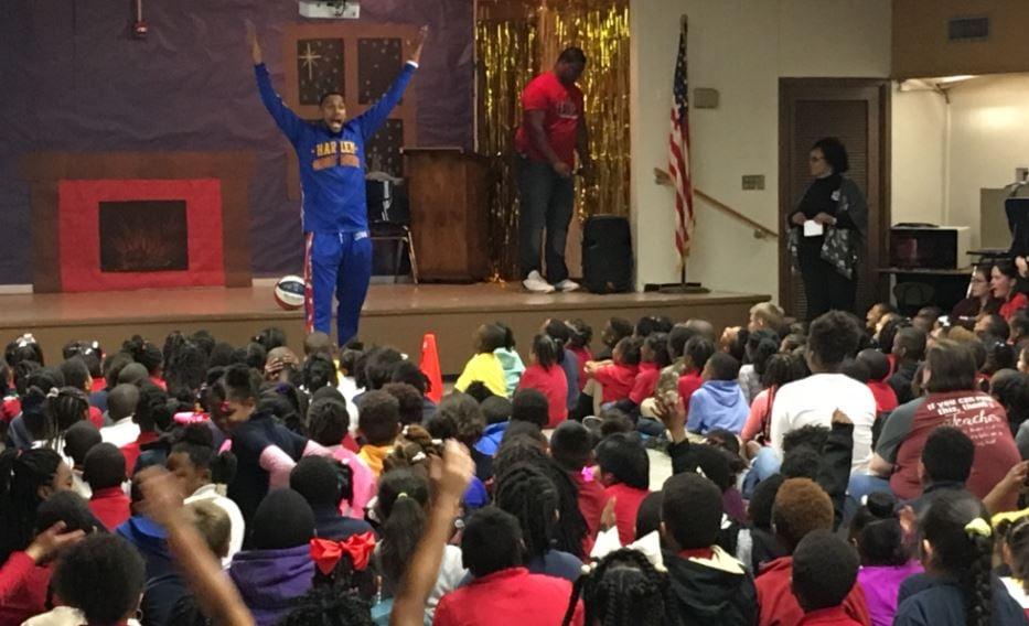 Zeus McClurkin at JW Faulk in Lafayette presenting the ABC's of Bullying / KATC