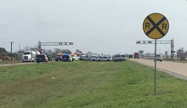 File photo of fatal crash at that intersection (PHOTO: KATC)