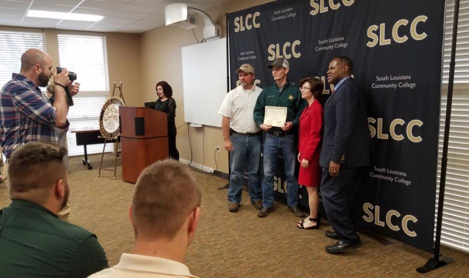 SLCC honors donors and scholarship recipients / KATC
