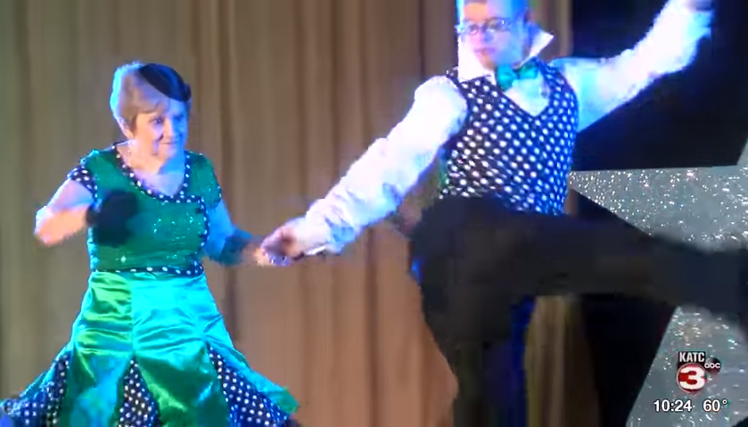 Ten duets compete in Dancing with the Arc Stars